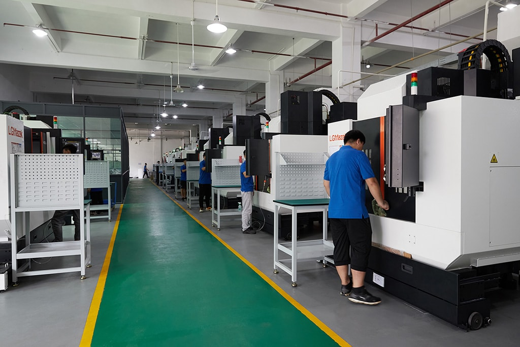 3 axis,4 axis, and 5 axis CNC Machining workshop of Screw Machine Parts